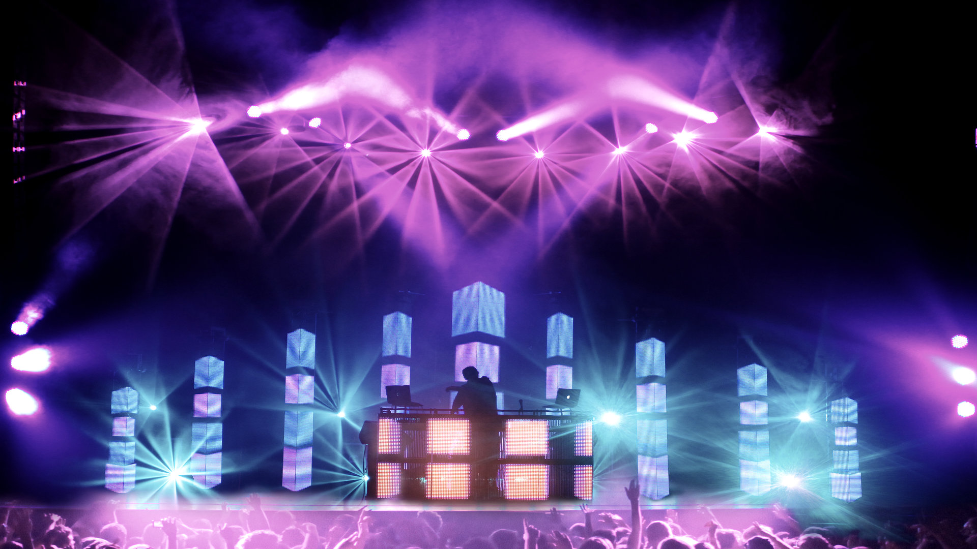 Pretty Lights Personally Mails Usb Drives To Fans Full Of