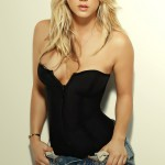 6417-kaley-cuoco-wallpaper